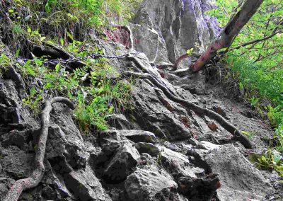 Prosiecka dolina - reťaze k vodopádu Červené piesky.