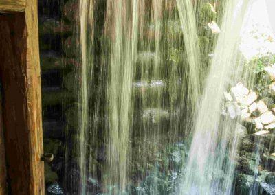 Vodopád z mlynského kolesa.