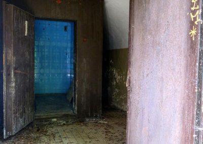 Korytnické kúpele sú zdevastované.