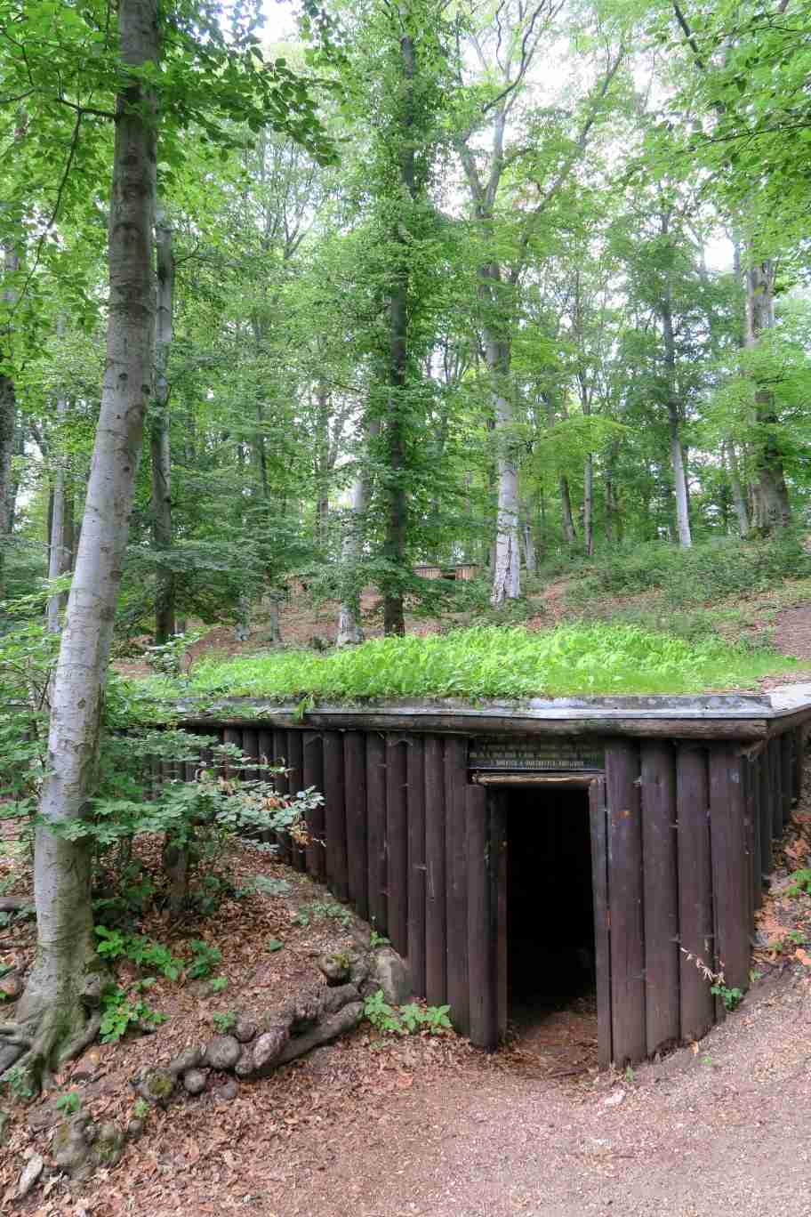 V partizánskom bunkri na Jankovom vŕšku.